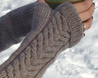 Cable Knit Fingerless Mitties