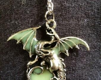 Dragon glow necklace