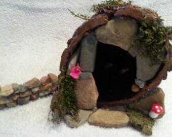 Fairy House - Charming Fairy Log Cabin