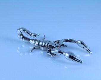 realistic sterling silver scorpion pendant