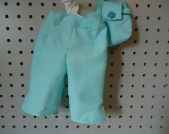 capri pants and bag