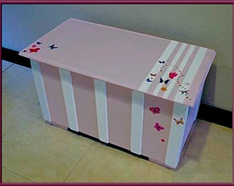 Candy Striper Girl's Toy Box