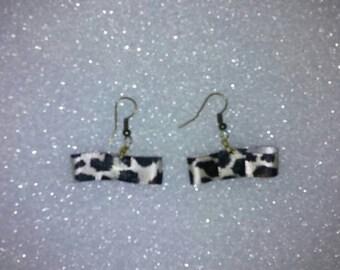 Tuxedo bow earrings