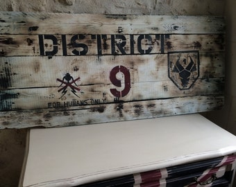 Painting District 9 on pallet stock