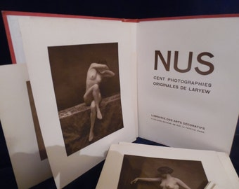 NAKED LARYEW Portfolio 100 WALERY photographs Art Deco. Gravure. Old photos. Burlesque stripping. Pictures erotic.