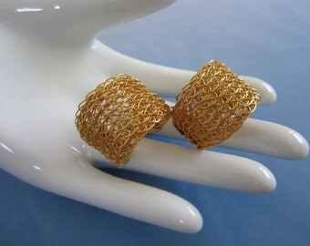 Vintage Gold Tone Mesh Pierced Earrings