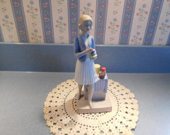 Tupperware Lady Figurine Series 1 from the 1980's