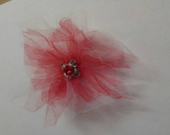 Red and white mesh hair clip