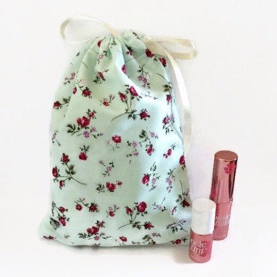 Items similar to Handmade Floral Drawstring Bag, Makeup Bag ...