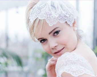 Bridal Veil of floral lace ivory rhinestone