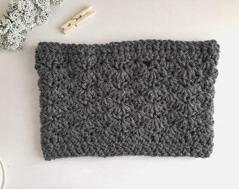 Crochet cowl, crochet scarf. Cowl, scarf. Crochet neckwarmer. Chunky. Crochet infinity scarf. Winter accessory, winter neckwarmer.winterwarm