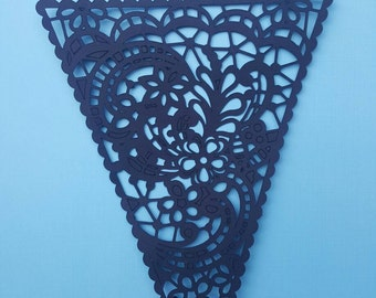 10 LACE GARLANDS TRIANGLES