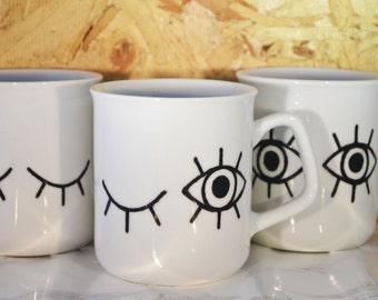 Handdrawn mugset 'The waking up process'