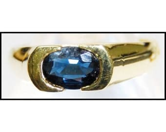 Unique 18K Yellow Gold Solitaire Gemstone Blue Sapphire Ring [RS0058]