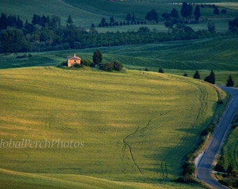 Tuscany. Val d'Orcia. Tuscan Countryside.  Ruin. Landscape Photography.