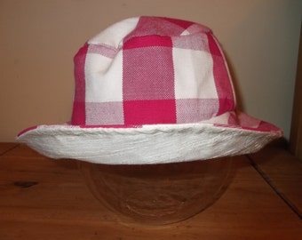 Reversible Sun Hat - Raspberry Check and Ivory - Age 6 to 8