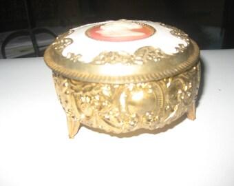 Round Cameo Trinket/jewelry box