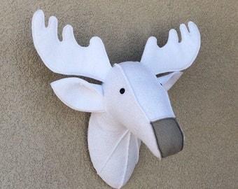 Deer / Felt animal head / wall decor / baby room /  nursery decor / stuffed animals / woodland decor