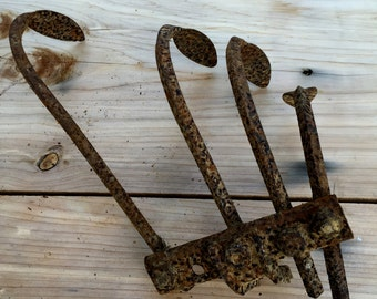 Rusty Metal Cultivator Tine, Plow, Culivator, Farm House Decor, Jewelry Display