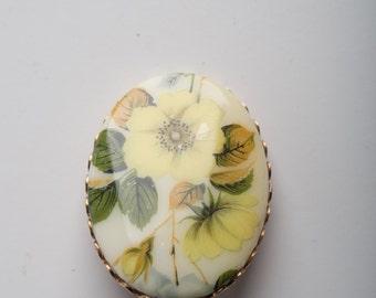 Yellow flower pendant pin brooch