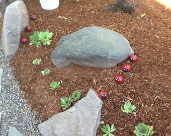 Ladybugs for garden or potted plant, set of 4