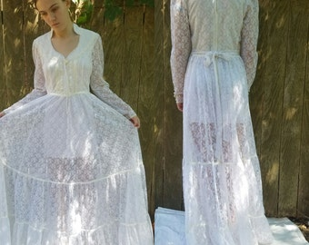 Gunne sax 70s maxi dress lace medium pearl buttons on sleeves corset style