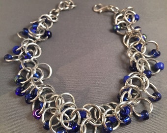 "7"" Shaggy Loops Chainmail Bracelet, Blue Glass Beads"