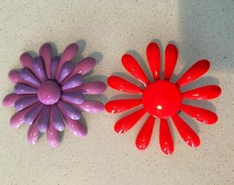Set Antique Hippie Girl Flower Pins