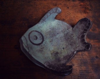 "porcelain ""Fish"" raku"