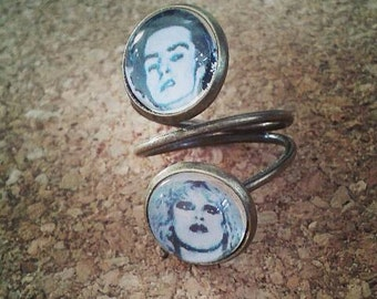 Sid and Nancy ring
