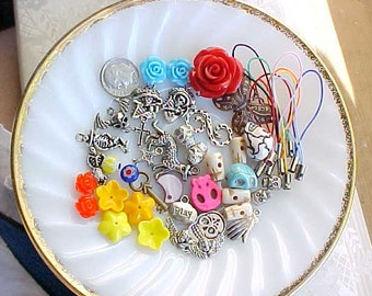 Day of the Dead Bead Mix Day of the Dead Jewelry Charms for Earrings Mixed Beads Destash Dia de Los Muertos Charm Lot DIY Skull Earrings