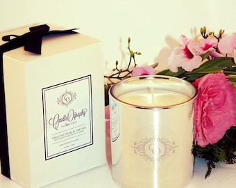 English Pear & Freesia Luxury Soy Candle 310g