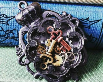 Key and gear pendant