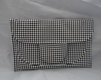 Hounds tooth clutch bag