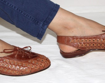 Flange-back and lace braiding size 37 Vintage brown leather flat shoes