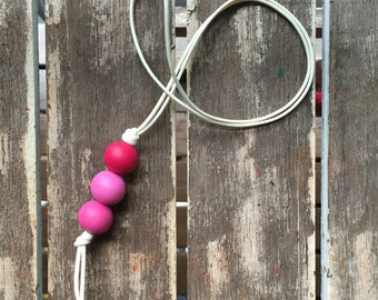 ombre pink pendant painted wooden bead necklace