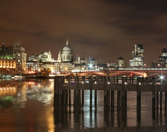 London St Pauls and old pier