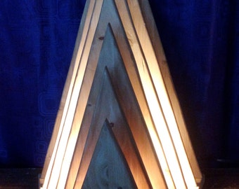 atmosphere pyramid lamp