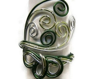 handmade silver and Green Aluminum Wire Bracelet