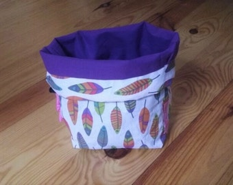 basket/purse soft reversible makeup or toiletries feathers pattern