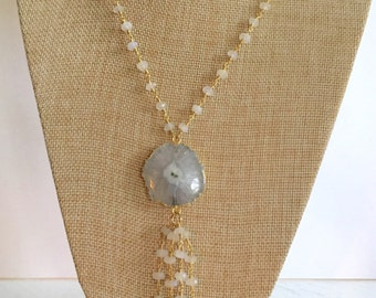 Moonstone, agate and freshwater pearl necklace