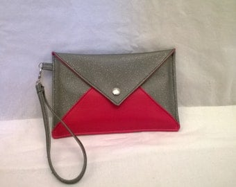 Two-tone silver evening with removable strap Pocket