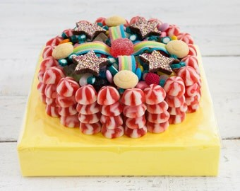 Strawberry Twist Kisses Sweetie Cake