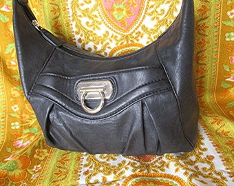 Black leather look shoulder bag hand bag Cabrelli brand vintage 90s.