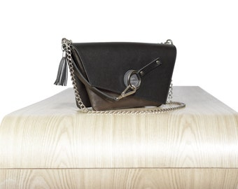 The pouch - Handbag for chic cyclists - Black & shiny brown