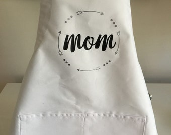 "Personalized ""MOM"" apron"