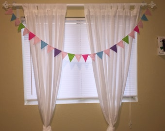 Asorted color felt bunting