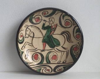 Vintage antique hand painted studio pottery Bowl arts and crafts medievel Bayeux tapestry interest