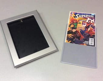 Comic book frame for use with Toploader Silver