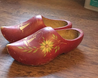Dutch wooden red shoe